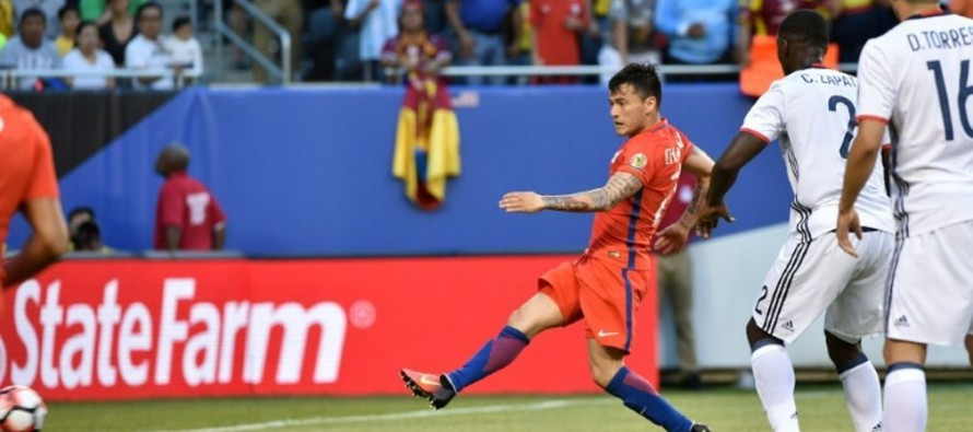 Chile down Colombia to reach Copa final