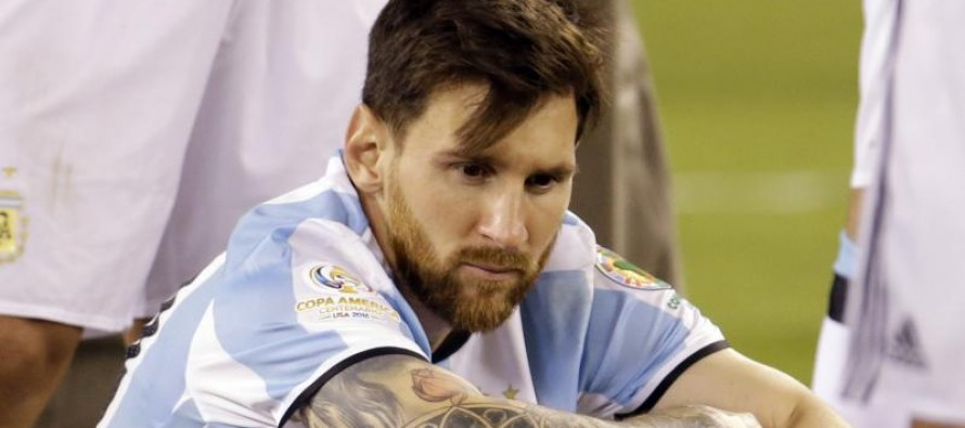 Clues to weary Messi's retirement