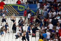 UEFA threatens Russia, England with Euro disqualification