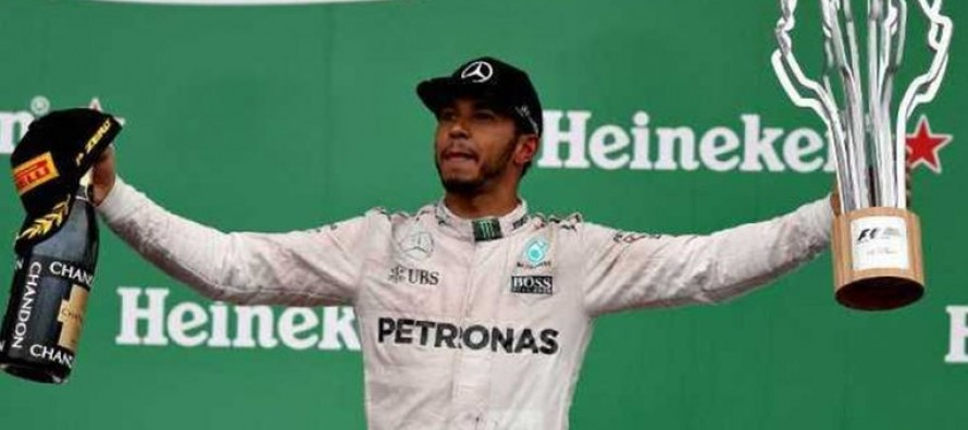 Hamilton wins in Canada, dedicates victory to Ali