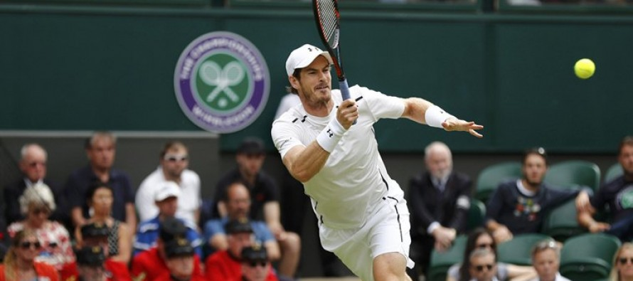 Murray sweeps into Wimbledon second round
