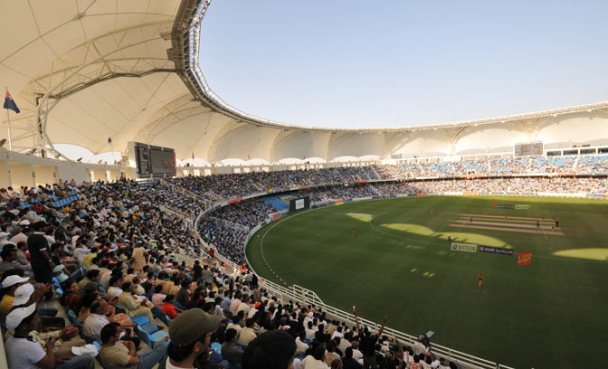 xdubai_sport_city_cricket_stadium.jpg.pagespeed.ic.Oyohe91j-b