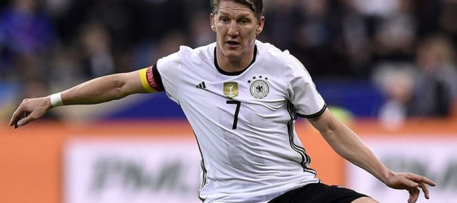 Schweinsteiger sits out Germany training