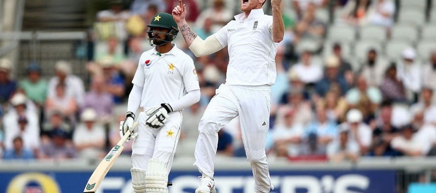 England refuses to enforce follow-on, while Pakistan falls cheaply