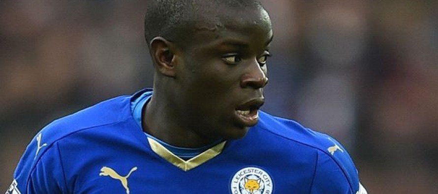 Chelsea sign France midfielder Kante from Leicester