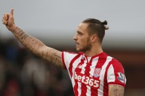 Arnautovic signs four-year extension with Stoke