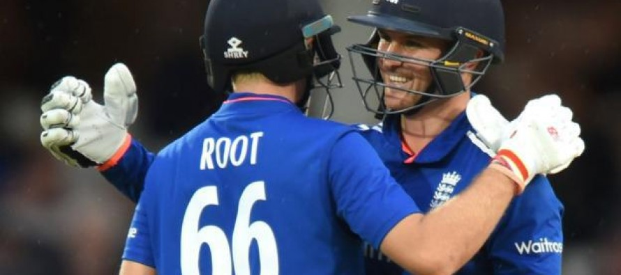 Ruthless' Roy impresses Root