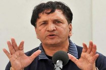 Abdul Qadir supports proposals for bat size restrictions