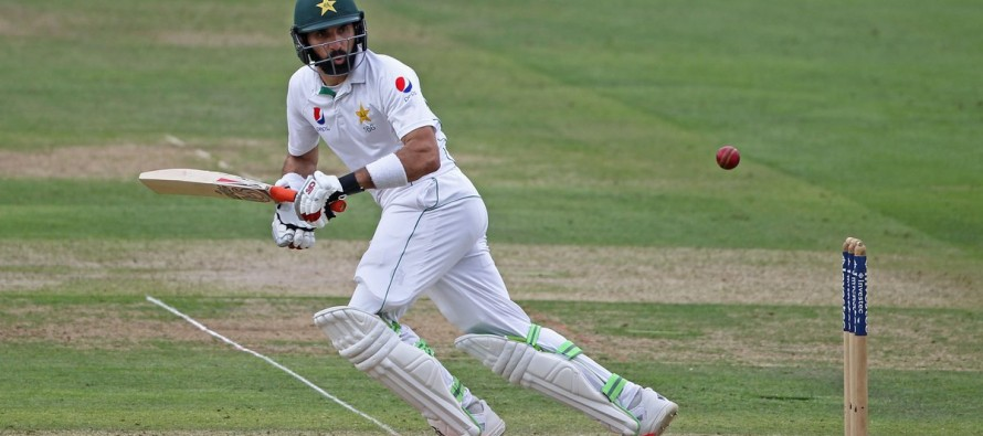 Misbah becomes oldest Test centurion in 82 years