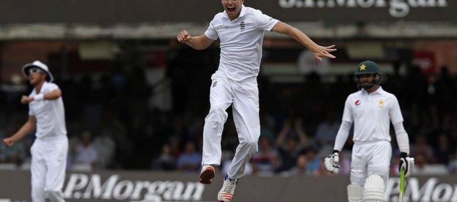 Misbah out for nought as England fight back