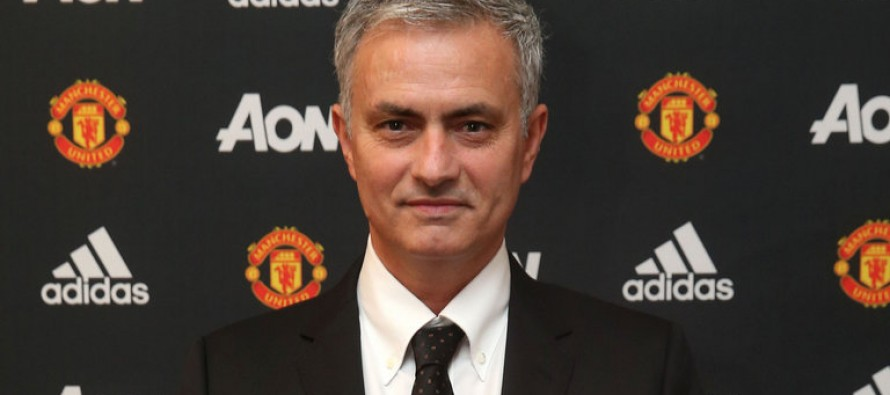 Mourinho targets glory for Manchester United at unveiling