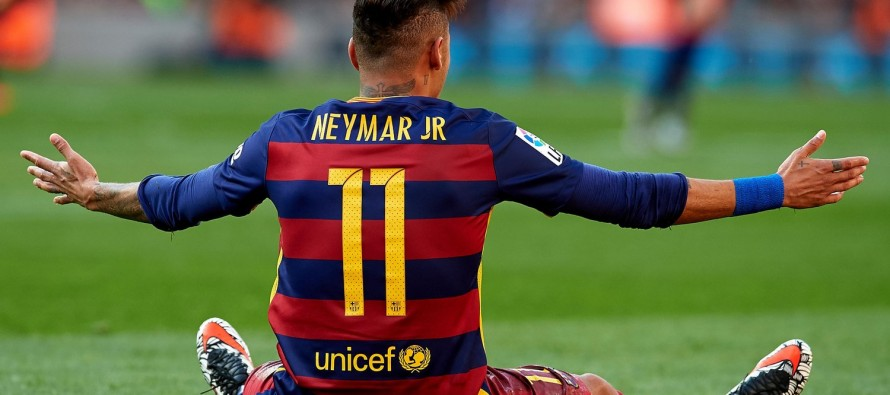 Barca ties Neymar down with 250 mln euro buyout clause