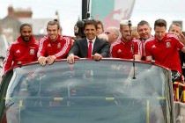 Welsh get rapturous welcome home after Euro heroics