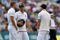England were 'clumsy' on day two, says Nasser Hussain
