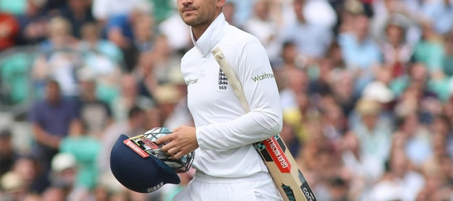 Broad and Hales could face action over catch tweets