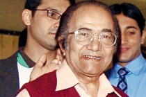 Sindh CM orders authorities to release funds for Hanif Mohammad's treatment