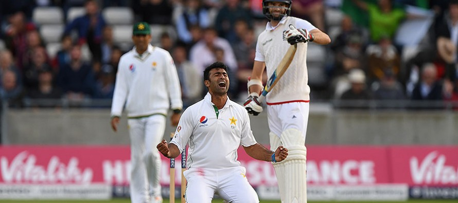Reporter asks Sohail Khan why he doesn't learn English from Mushi