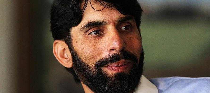 Misbah tells Pakistan to 'go big' against England