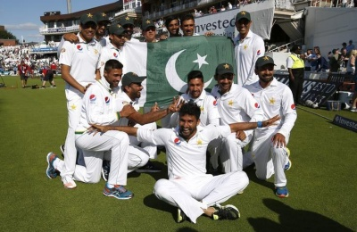 Britain Cricket - England v Pakistan - Fourth Test - Kia Oval - 14/8/16 Pakistan celebrate their win Action Images via Reuters / Paul Childs Livepic