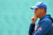 Arthur issues Pakistan one-day warning