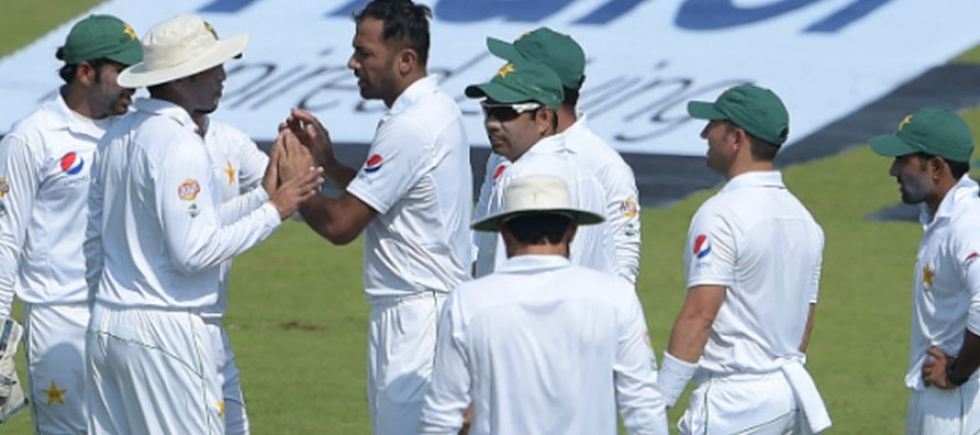 West Indies struggle after Pakistan's 281