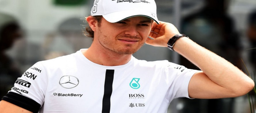 Title favourite Rosberg 'taking it race by race'