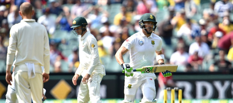 Du Plessis ton puts South Africa in strong position