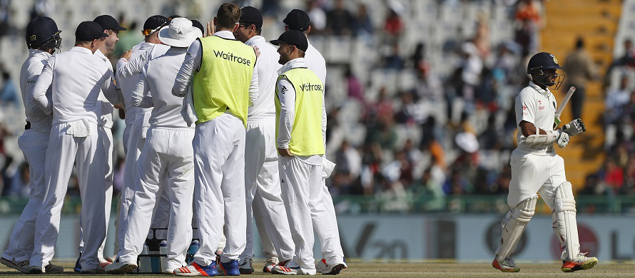 Cook and England to unwind before fourth Test