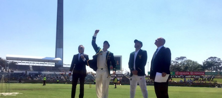South Africa win toss and bat in Perth Test