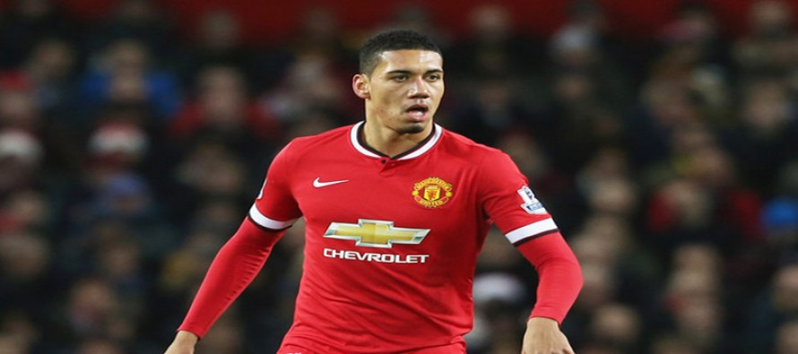 United deny reports of broken toe for Smalling