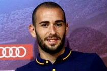 Barca outcast Vidal stakes his claim for more game time