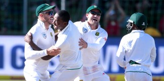 Newlands' seam-friendly wicket favours South Africa