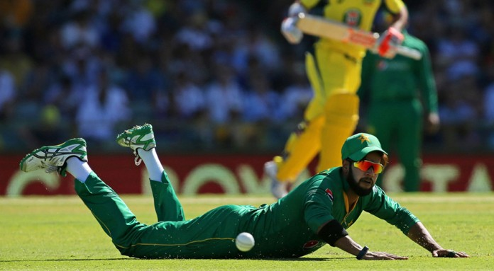 Smith and Handscomb take charge after early jolts