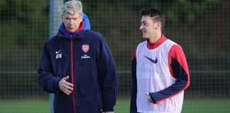 Ozil links Arsenal future to coach Wenger