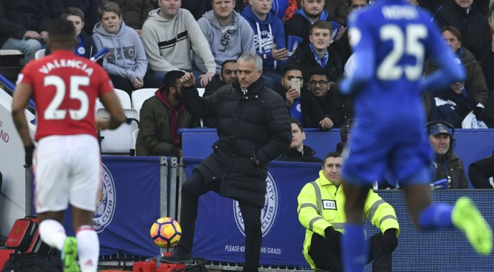 Mourinho taunts Chelsea in style wars
