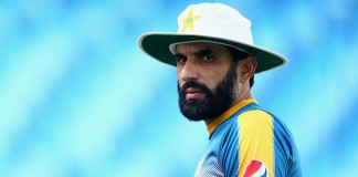Misbah tells fans to be consistent and then expect consistency from the team