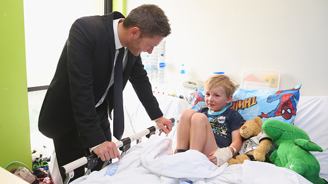 SYDNEY, AUSTRALIA - OCTOBER 07:  Former Australia cricket captain Michael Clarke speaks with Rowan after he announced his plan to join the Perpetual Loyal yacht racing team for the 2015 Rolex Sydney Hobart Yacht race at Sydney Children's Hospital on October 7, 2015 in Sydney, Australia.  (Photo by Don Arnold/Getty Images)