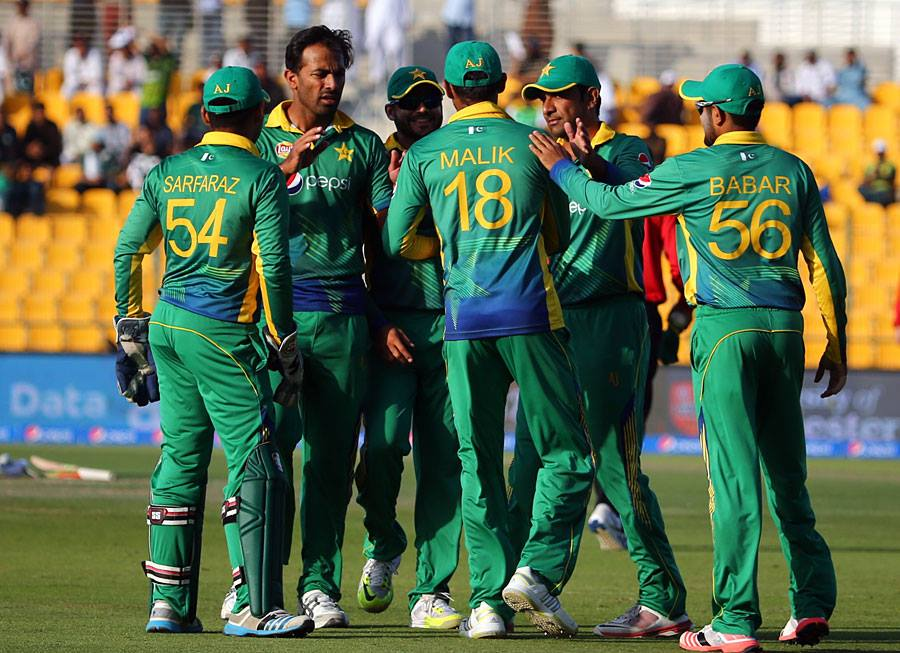 No-Pakistani-In-ICC-ODI-Team-Of-The-Year-201596872058_20151221532