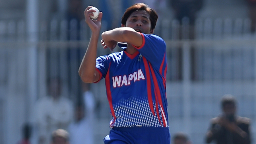 Pakistani paceman Mohammad Asif delivers a ball during a domestic one-day match in Hyderabad on January 10, 2016. Butt and Mohammad Asif returned to domestic action in the national one-day tournament on Sunday, four months after completing their five-year bans for spot-fixing. AFP PHOTO / Rizwan TABASSUM / AFP / RIZWAN TABASSUM (Photo credit should read RIZWAN TABASSUM/AFP/Getty Images)