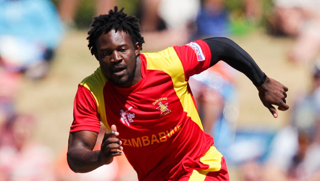 Solomon-Mire-of-Zimbabwe-fields-the-ball-off-his-own4