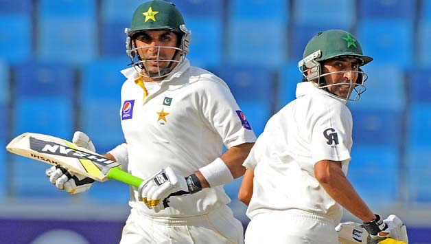 Younis-Khan-R-and-Misbah-ul-Haq-run-between-the-wickets-during-the-third-day-of-the-second-Test-match-between-Pakistan-and-Sri-Lanka