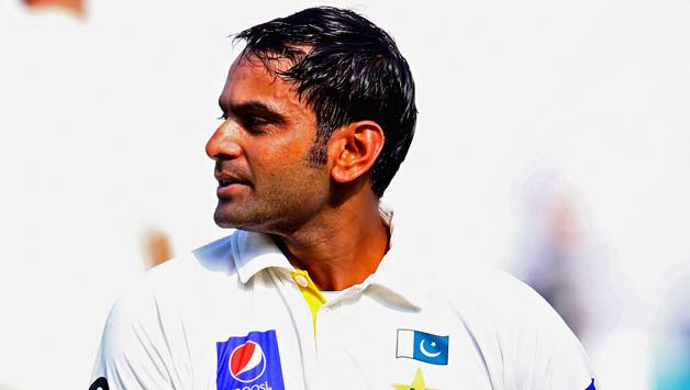 Muhammad-Hafeez-of-Pakistan-leavess-the-field-after-being-dismissed1