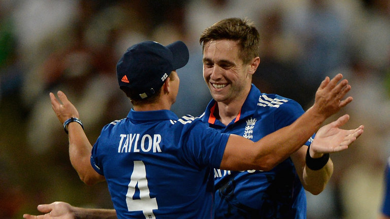 chris-woakes-james-taylor-england_3376364