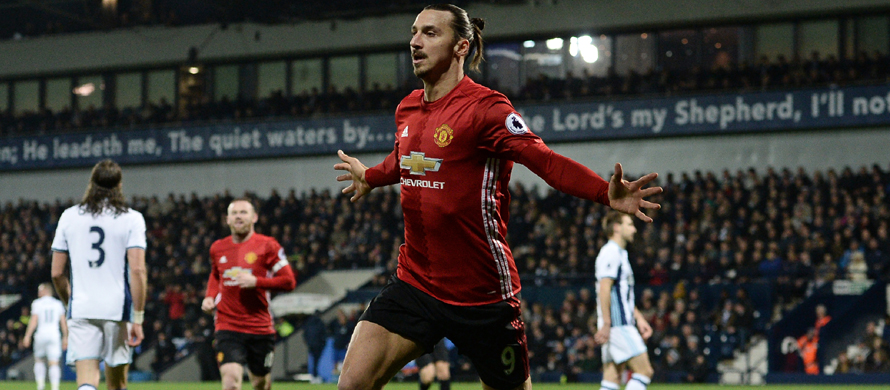 Ibrahimovic keeps Man United motoring