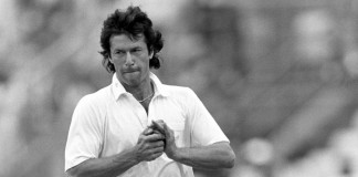 Classics: When Imran Khan swung it Pakistan's way