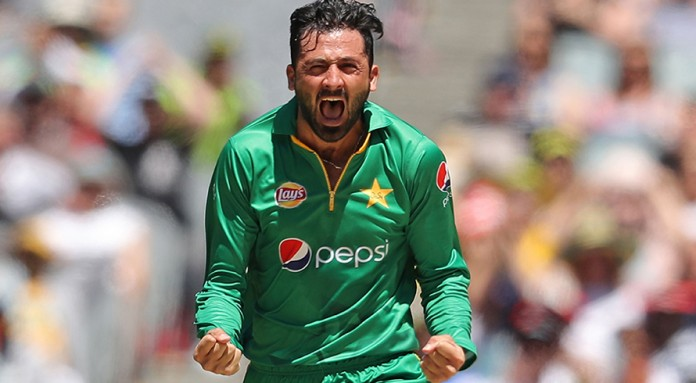 Two quick wickets for Pakistan put them back on track