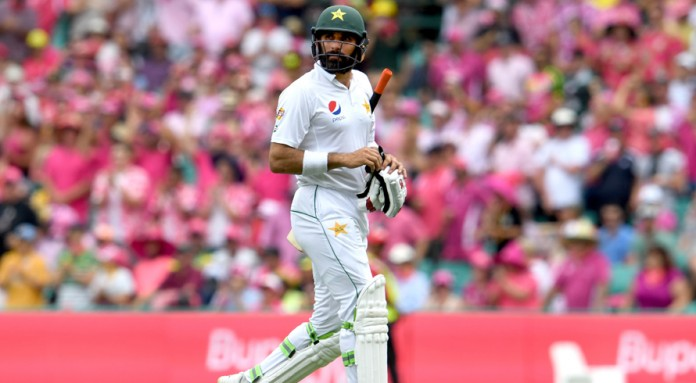 'I think Misbah's time is up', says Raja