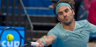 Federer steps it up in Perth