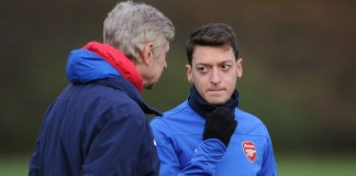 Wenger hopes his future plans won't influence Ozil talks