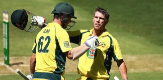 Warner, Head score tons to take Australia to 369 runs